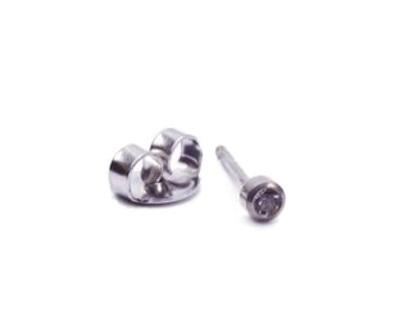 T33-0204 belőhető fülbevaló 2mm